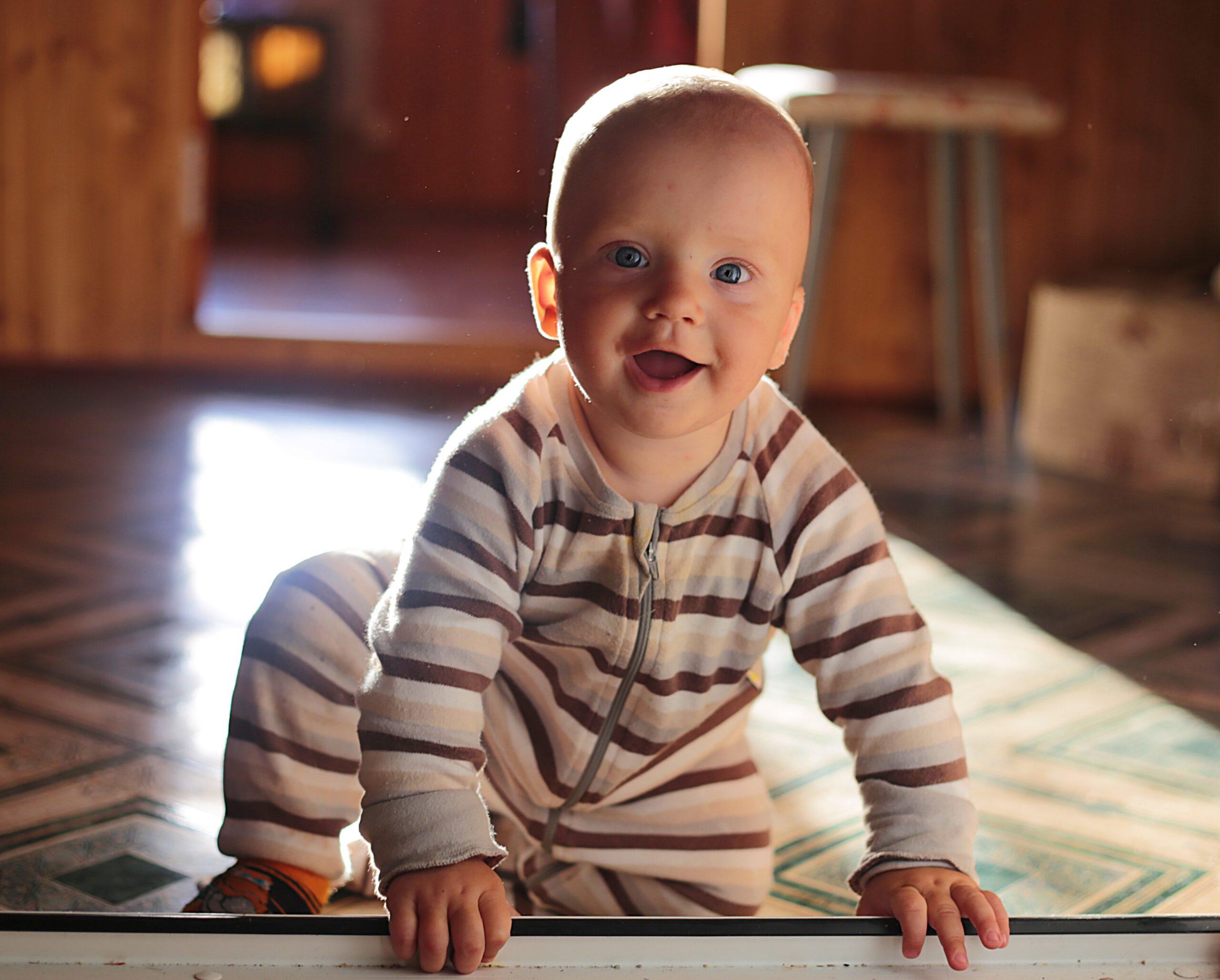 Seguridad en Puertas: ¿Cómo evitar accidentes con los niños?
